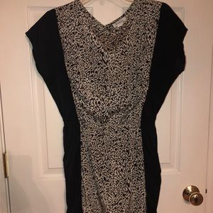 BLACK PRINTED DRESS WITH FRONT POCKETS